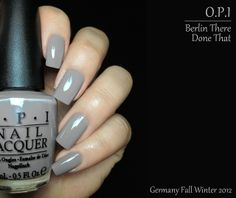 Berlin There Done That is a light warm taupe with a purple hue. It's a tad warmer in real life than it looks here. I'm really loving how delicate it is, perfect for Fall. Formula was pretty much OPI standard, nice and thin with a true 2 coats coverage.