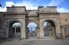 Ephesus, Brooklyn Bridge, Barcelona Cathedral, Entrance, Roman, Arch, Building, Travel, Entryway