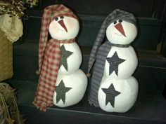Primitive Snowmen from Apple Valley Primitives and Candle Co.