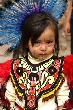 A little Masked Dancer from Mexico Precious Children, Beautiful Children, Beautiful Babies, Beautiful People, We Are The World, People Around The World, Aztec Culture, Festival Celebration, Mexican Style