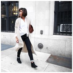 Easy Outfit: A White Button-Front Top, Cuffed Jeans, a Long Cardigan, and Booties