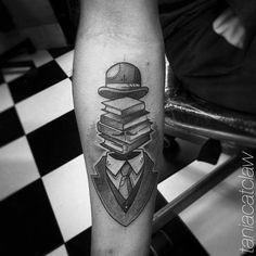 #bookman Artista Tatuador: Tania Catclaw