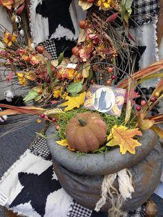 Primitive Fall, Wreaths, Home Decor, Decoration Home, Door Wreaths, Room Decor, Deco Mesh Wreaths, Home Interior Design, Floral Arrangements