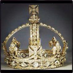 Queen Victoria's Crown - Diamonds: Queen Elizabeth II's Collection