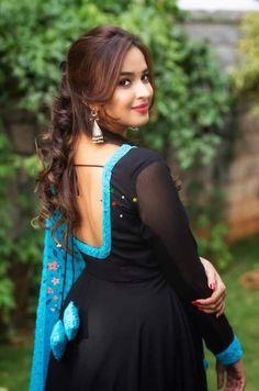 Beautiful Girl In India, Beautiful Blonde Girl, Beautiful Girl Photo, Indian Actress Hot Pics, Most Beautiful Indian Actress, Beautiful Actresses, Cute Beauty, Beauty Full Girl, Beauty Women