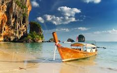 WOW, just beautiful! Bangkok & Phuket: 10 d& & vuelos Playa Railay, Railay Beach, Île Phi Phi, Video Photography, Travel Photography, Nature Photography, Warhammer Age Of Sigmar, Bag Essentials, Boats