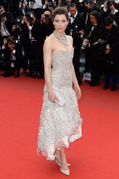 Jessica Biel, impresionante con un vestido strapless de Marchesa.Festival de Cannes 2013
