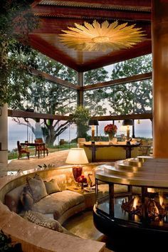 LUXURY HOMES | Awesome living room.| www.bocadolobo.com | #zacbacon #zacbaconproperties #luxury #luxurylivingroom #livingroom #realestate #realestateagent #california
