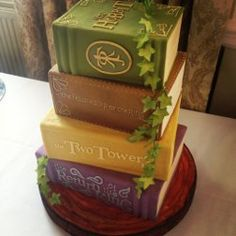 The Hobbit series books cake - by Bake My Cake - Cake Wrecks - Home - Sunday Sweets for Book Lovers Pretty Cakes, Beautiful Cakes, Amazing Cakes, Game Of Thrones Torte, Creative Cakes, Creative Food, Bake My Cake, Cupcakes Decorados, Ring Cake