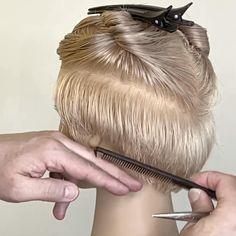 Hair Cutting Videos, Hair Cutting Techniques, Hair Videos, Short Hair With Layers, Short Hair Cuts, Shot Hair Styles, Curly Hair Styles, Girl Haircuts, Choppy Haircuts