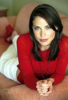 Claire Forlani. (Click on photo for high-res. image.) Photo found here: http://filmcelebritiesactresses.blogspot.com.es/search/label/Claire%20Forlani.