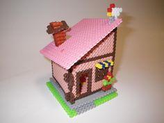 家です。中があるのは面白いのでは・・・?と思って作りました。細かいところは手を...
