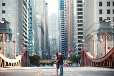 la salle street bridge chicago engagement photo