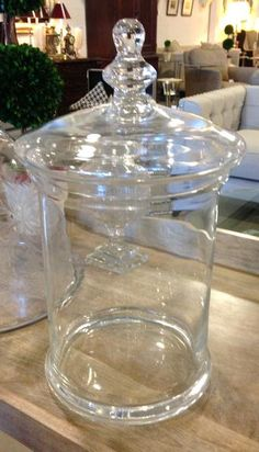 Covered jar all glass Wine Decanter, Montreal, Accent Decor, Jars, Barware, Chic, Cover, Classic, Shabby Chic