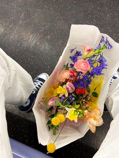Beautiful Bouquet Of Flowers, Buy Flowers, Little Flowers, Fresh Flowers, Beautiful Flowers, Flower Catalogs, Flower Aesthetic, Summer Aesthetic, Aesthetic Pictures