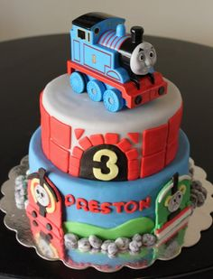 You can even decorate a 2 tier cake and just add the Thomas toy at the top.