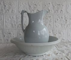 Antique John Edwards English Ironstone Pitcher and Wash Bowl Set by JunkFromMyTrunk on Etsy https://www.etsy.com/listing/219381329/antique-john-edwards-english-ironstone
