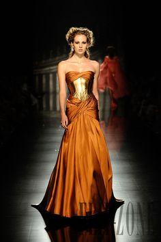Rami Al-Ali Höst/Vinter 2011-2012 - Haute Couture - http://sv.flip-zone.com/rami-al-ali-2431