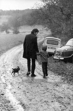 Paul McCartney and daughter...photo by: Linda McCartney
