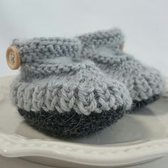 Baby Shoes - Baby Booties - Patucos - Botines bebe - Booties - Alpaca Knits - Infant Booties - Baby Shower Gift by MerrywoodFarm on Etsy