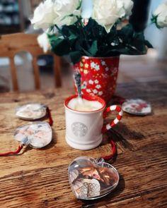 Minäkö keski-ikäinen?: Pieniä joululahjavinkkejä ja ihanat villasukat!
