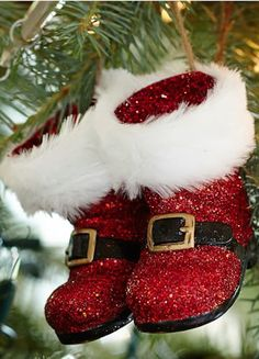 red glitter santa boots on sale! #BlackFriday http://rstyle.me/n/t7zg5r9te