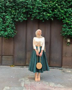 Image may contain: one or more people, people standing and outdoor - Hijab fashion - Modest Fashion Hijab, Modern Hijab Fashion, Casual Hijab Outfit, Hijab Chic, Muslim Fashion, Fashion Outfits, Hijab Fashion Style, Dress Outfits, Ootd Hijab