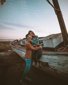 Enjoy every little moment, watch the sunset, find your purpose Sunset Photography, Couple Photography, Travel Photography, Travel Destinations, Travel Tips, Love Wallpapers Romantic, Creamy Eyeshadow, Love Status Whatsapp, Green Background Video