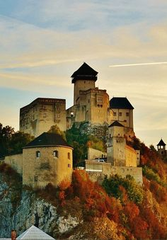 Trencin Castle Slovakia _ Autumn Trenčín Castle is a National Cultural Relic sitting above Váh River and one of the mightiest medieval complexes in Slovakia. Location on goole map Architecture:. Interesting Buildings, Beautiful Buildings, Travel Around The World, Around The Worlds, Houses Of The Holy, Medieval Castle, Beautiful Places In The World, Landscape Photos, Hungary