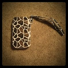 Giraffe Cell Phone Wristlet Carrier Case Purchase alone at $4 OR bundle worth another item of any price for a few dollars off! NWOT never used. Measures 2.5 in x 4.5 in with a 6.5 in wristband. Has a small imperfection on the corner. Also some discoloration from the glue. Bags Clutches & Wristlets