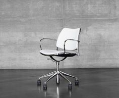 My new desk chair ?   Design task armchair Gas STUA