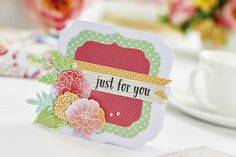 Make a pair of floral cards in our April issue, out now! Pic: cliqq.co.uk