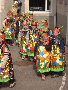 carnaval enfant maternelle - con bolsa oro de plástico http://www.multipapel.com/subfamilia-bolsas-basura-colores-para-disfraces.htm