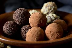 These sugar free chocolate truffles are silky smooth, sinfully rich and so simple to make - the perfect low carb chocolate dessert.