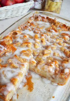 Easy Cake Recipes, Brunch Recipes, Sweet Recipes, Apple Recipes Easy, Easy Apple Pie Recipe, Cooking Apple Recipes, Applesauce Recipes, Easy Baking Recipes, Breakfast Cake