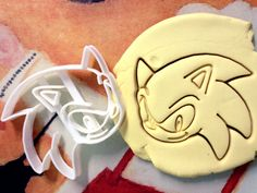 I have to get these to make cookies for my hubby. Cute!  Sonic the Hedgehog Cookie Cutter great for cutting by CookiePrints, $9.99
