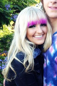 Rydel Lynch 2014 | Rydel Lynch had just the tips of her bangs colored hot pink