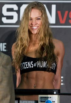 ♥ Did you know Undefeated Mixed Martial Arts fighter & and Judo Olympic medalist Ronda Rousey is VEGAN?! Yet another athlete who's at the TOP of their sport on a 100% plant based diet!! Plant strong for the WIN! ♥ Hurray!