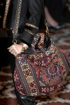 A real carpet bag!  - Gucci Fall 2008 - Details