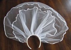 DIY First Communion Veil.  Great tutorial, easy to do, but finished product looks fantastic!