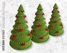 Kerst haakpatroon, amigurumi boom met kerstballen, kerstversiering gehaakt