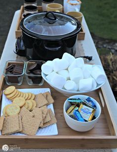 S'Mores & Hot Cocoa Bonfire Back yard Party! S'Mores and Hot Cocoa Bonfire Backyard Party. Plan a simple hot chocolate and S'mores party around the firepit. Entertaining made easy! Sleepover Party, Bonfire Birthday Party, Sleepover Activities, Birthday Kids, Brunch Party, 12th Birthday, Holi Party, Backyard Party Decorations, Backyard Parties