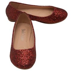 Great pair of slip on flats from Bella Marie designer brand. The ballerina flats come in red color with a sparkle texture and have a round toe. The perfect shoes for formal or informal occasion. Functional and trendy in the same time.