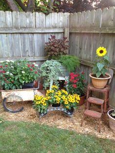 39 Creative Spring Flowers Ideas To Your Garden Design - 0001 Haus - Zaun - Treppen - Garten Garden Yard Ideas, Lawn And Garden, Garden Projects, Garden Art, Backyard Ideas, Garden Tips, Backyard Privacy, Rusty Garden, Garden Junk