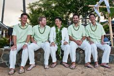 Slightly less formal but right idea. Mint and a neutral color. Casual Wedding Attire, Beach Wedding Attire, Groom Attire, Mint Green Shirts, Mint Shirt, Oahu Hawaii, Maui, Men Beach, Party Outfits