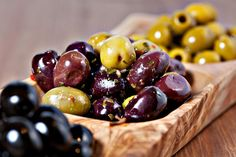 Skip the Olive Bar and Marinate Olives, Your Way _ Here are 3 great recipes to try when marinating your own olives at home: Salty Snacks, Vegan Snacks, Olive Bar, Spinach Pizza, Marinated Olives, Olive Salad, Olive Recipes, Italian Recipes, Tapenade