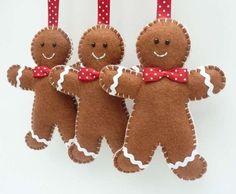 Biscotti in pannolenci da appendere - Simpatici omini di pan di zenzero per decorare l'albero di Natale.