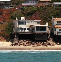 Celebrity Mansions Houses Cindy Crawford Home Malibu Beach House Tuscan Style