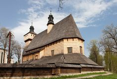 Haczów. Drewniany kościół z XV w. /  Haczow. Wooden Roman Catholic Church from…