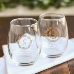 Toast to your nuptuals with the perfect personalized stemless wine glass! Summer Wedding Favors, Honey Wedding Favors, Creative Wedding Favors, Inexpensive Wedding Favors, Wedding Ideas, Fall Wedding, Wedding Stuff, Wedding Menu, Wedding Shoot